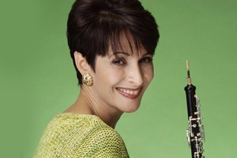 Elaine Douvas, oboe
